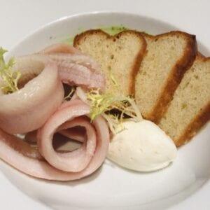 Broodplankje met gerookte paling